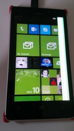 Nokia_Lumia_925_with_screen_fault